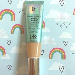 It Cosmetics CC Oil-Free Matte Cream Medium
